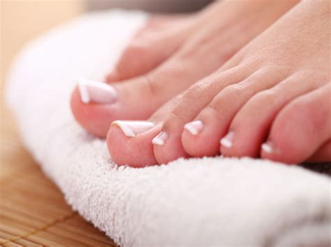5 Tips To Care For Your Toenails - Boldsky