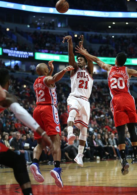 How Jimmy Butler studies, trains to beat double-teams