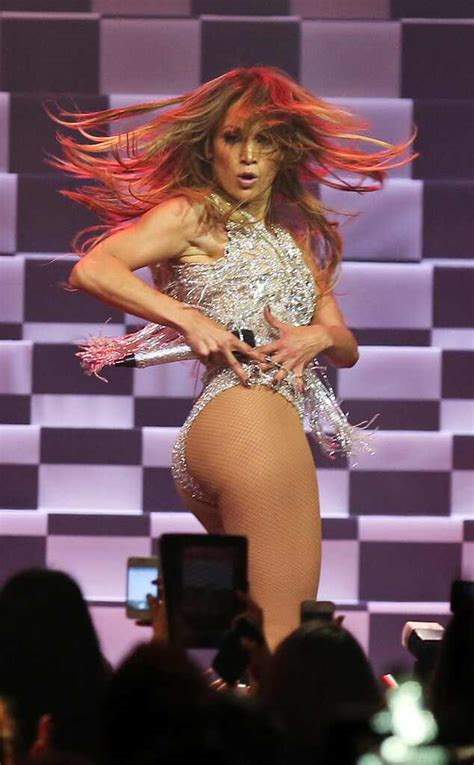 Jennifer Lopez Does a Dramatic Reading of Sir Mix-A-Lot's