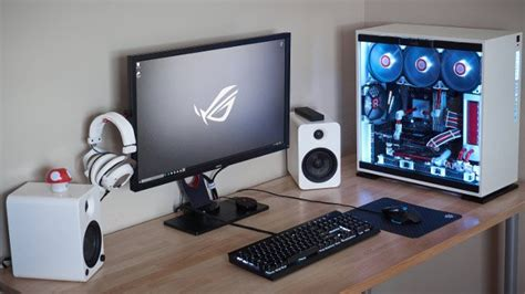 Gaming PC of the Month: WallyWest's White Zenith Gaming