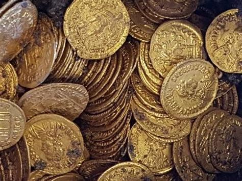 An amphora containing hundreds of gold coins was just